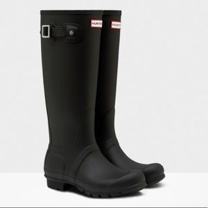 Hunter Original Tall Rainboots in Black Matte